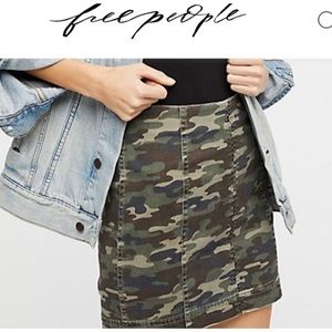 Free people | NWT camo skirt size 9/10